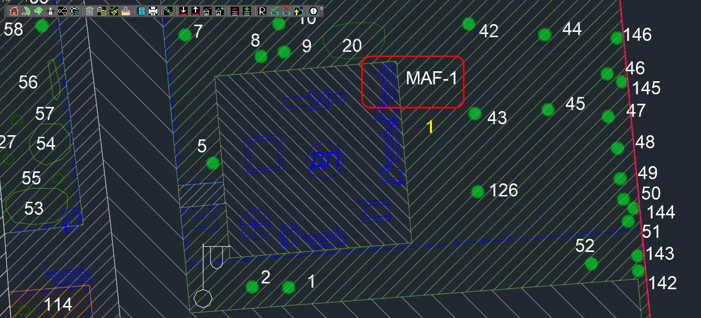 Пронумерованный элемент типа МАФ «Скамейка». Использован номер с префиксом «MAF-» для отличия номера от номеров других объектов (в данном случае растений)